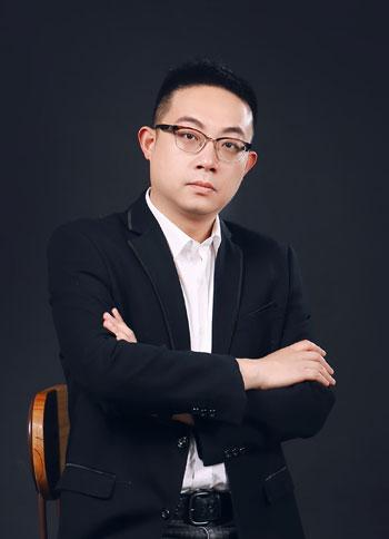 设计师郑亮